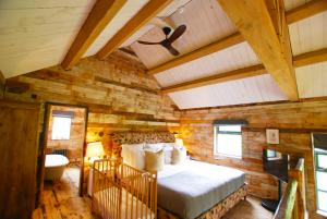 Soho Farmhouse Zephyr Ceiling Fan2