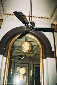 473_Hunter_ceiling_fan_24292_tribeca_chrome_restaurant
